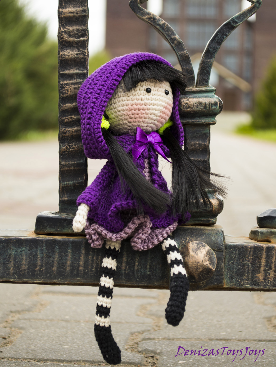 Free Crochet Pattern For Iris Flower : Iris Flower Doll - Pdf Crochet Pattern. on Luulla