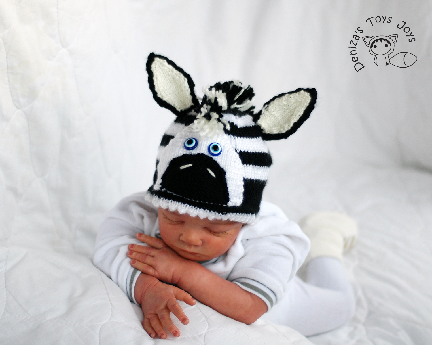 Knitting Pattern For Zebra Hat : New Born Baby Zebra Hat Knitting Pattern. on Luulla